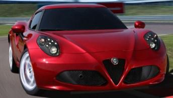 Alfa Romeo 4C, una vera auto da corsa con la targa. Foto-pagella