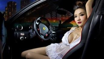 Scatti piccanti della modella cinese per la supercar italiana. Foto