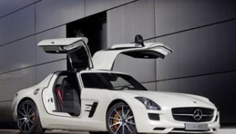 Mercedes SLS AMG GT: 591 CV e ali di gabbiano per volare a 320 km/h