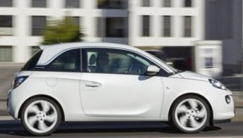Opel Adam Black Link e White Link, l'auto si fa smartphone. Foto