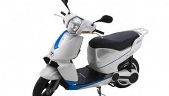 Terra Motos A4000i: elettrico e tecnologico con interfaccia iPhone