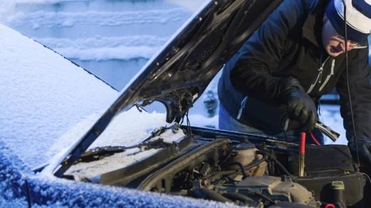 Arriva il gelo: 7 consigli per difendere l'auto