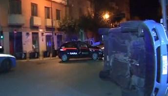 Scontro in auto tra Polizia e Carabinieri
