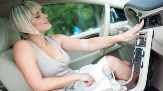Aria condizionata in auto: quando fare la ricarica e quanto costa