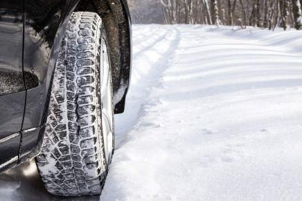 Cambio pneumatici invernali: dal 15 novembre 2017 scatta l'obbligo