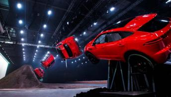 La capriola da record della nuova Jaguar E-Pace