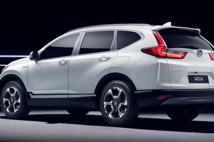 Honda CR-V: il Suv più venduto al mondo diventa ibrido