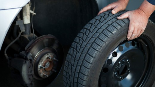 Gomme e pneumatici auto: i trucchi per verificarne l'usura