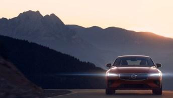 Volvo S60, addio diesel