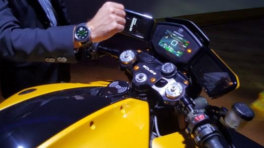 Eicma 2018, Bolid-E è la moto elettrica che si guida con l'orologio