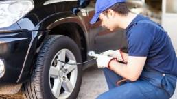 Col freddo gli pneumatici dell'auto si sgonfiano: ecco il motivo