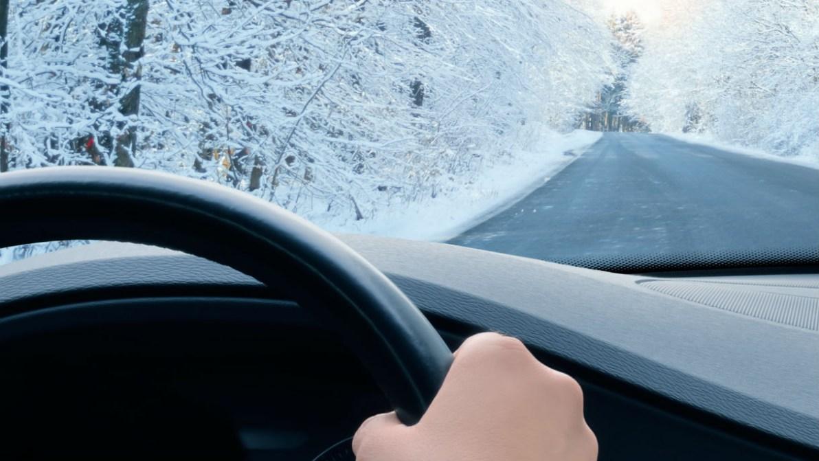 Consigli e trucchi per difendere l'auto dal freddo
