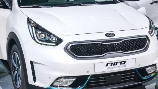 Kia Niro, a Ginevra le nuove varianti ibride