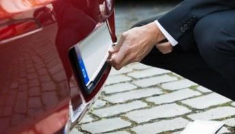 Auto, in arrivo la targa personale e 'portabile'