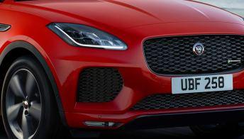 Il suv Jaguar E-Pace nella special edition Chequered Flag