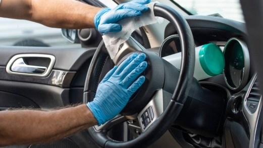Come lavare e sanificare gli interni dell'auto