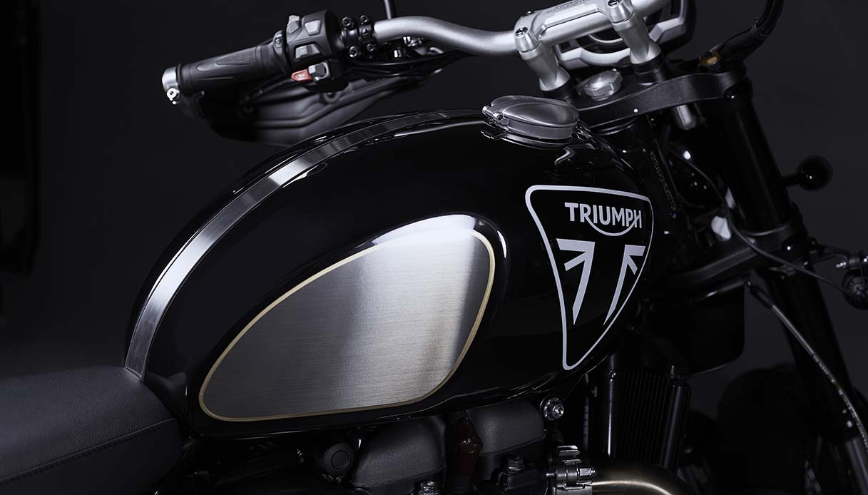 Triumph 1200 Bond Edition