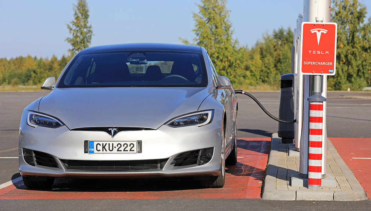 Tesla Model S in carica