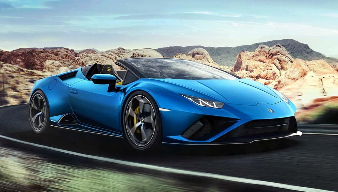 Riceve gli aiuti anti-Covid e si compra una Lamborghini