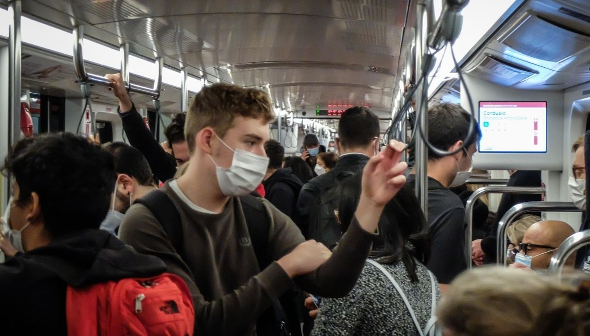 allarme assembramento mezzi pubblici