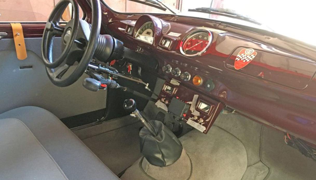 GLi interni dell'Alfa Romeo 1900 TI di Clay Regazzoni