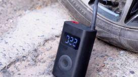 7 prodotti utili da comprare per guidare l'auto senza problemi d'inverno