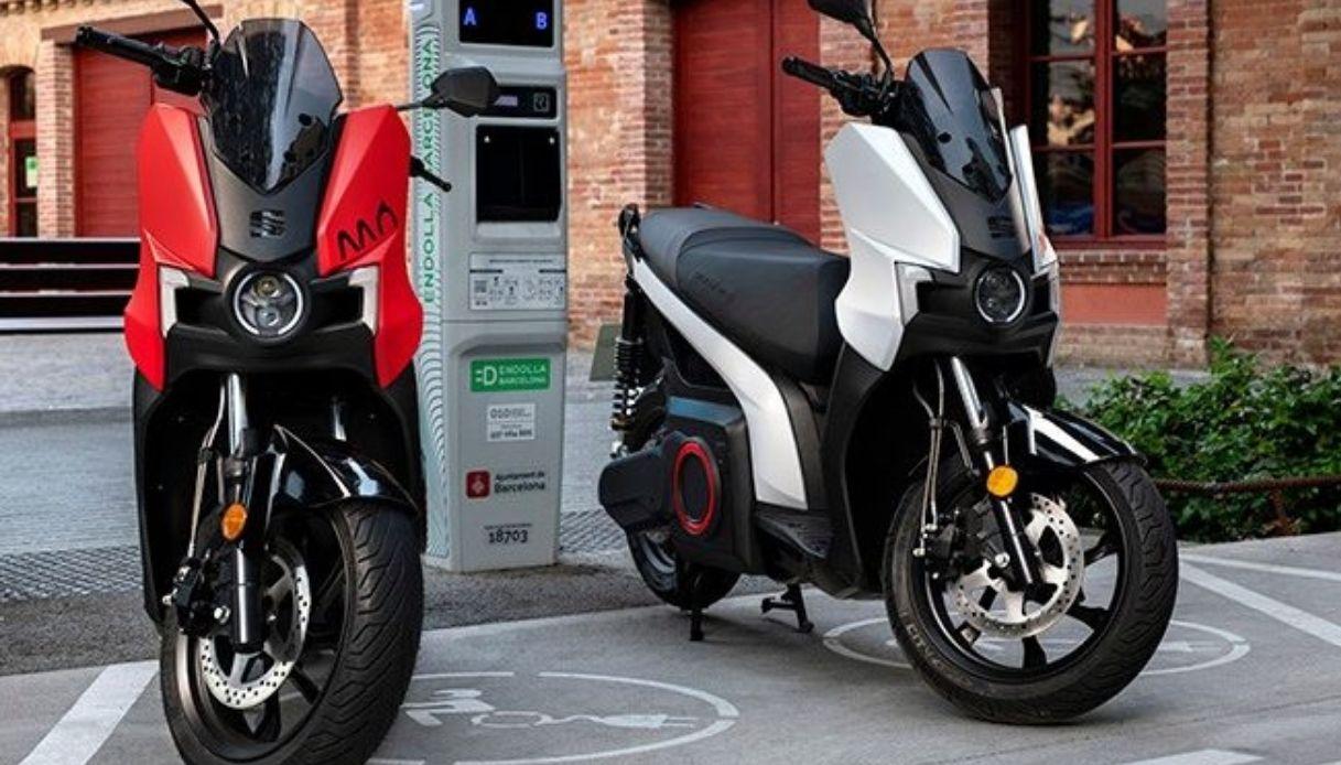 SEAT MÓ eScooter 125 è la prima moto completamente elettrica del brand