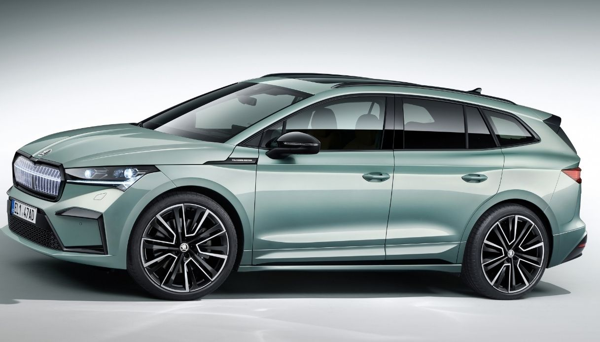 Il nuovo SUV Skoda ENYAQ iV 100% elettrico