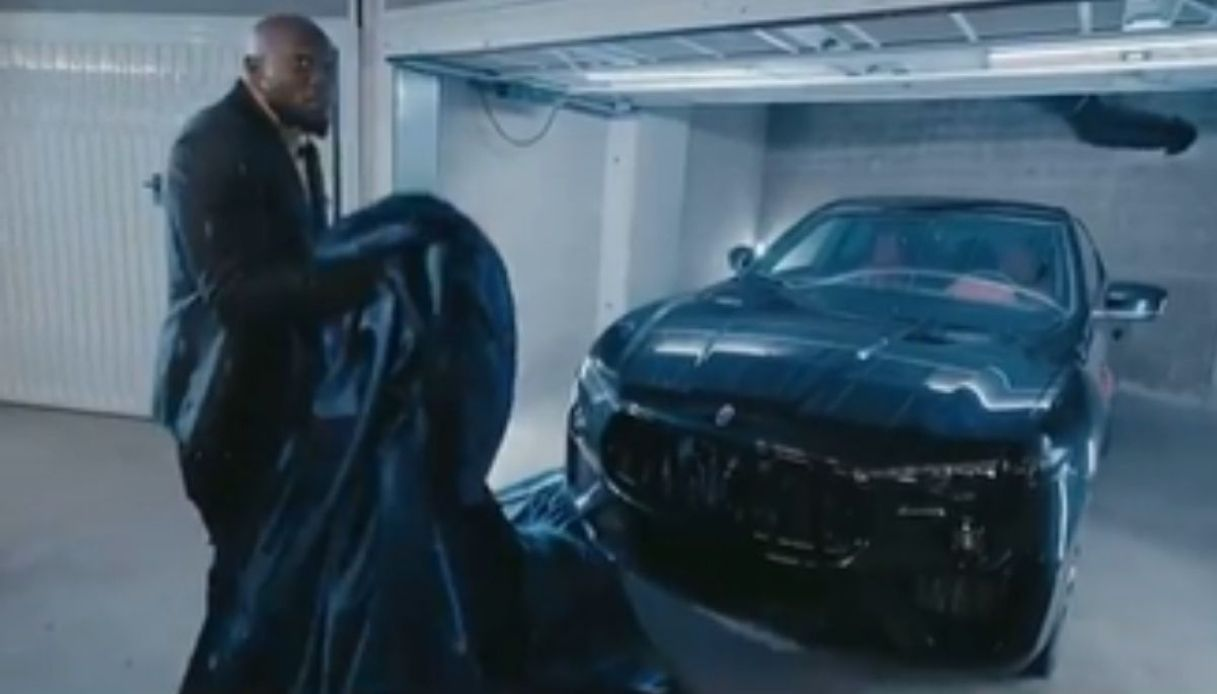 Lukaku svela la sua nuova Maserati Levante