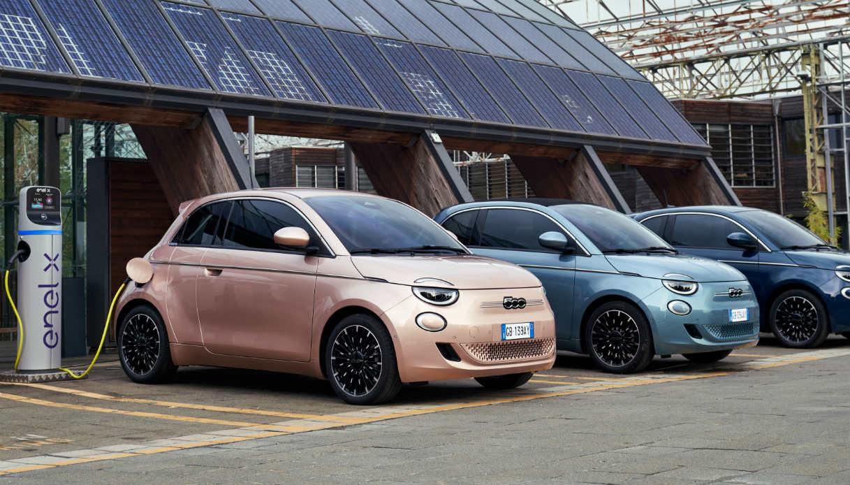 Nuova Fiat 500, allestimenti e prezzi