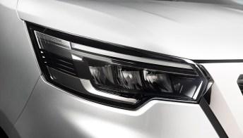 Nissan presenta il nuovo NV300 BUS, tecnologico e sicuro