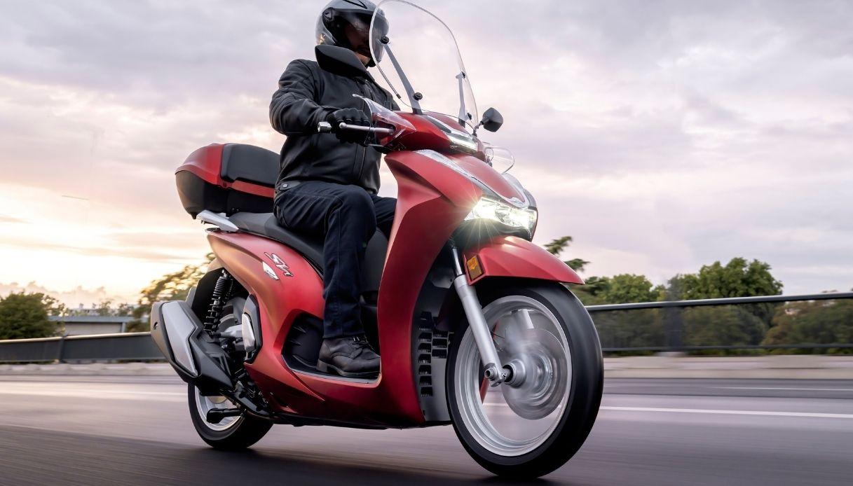 La nuova Honda SH 350i per il 2021