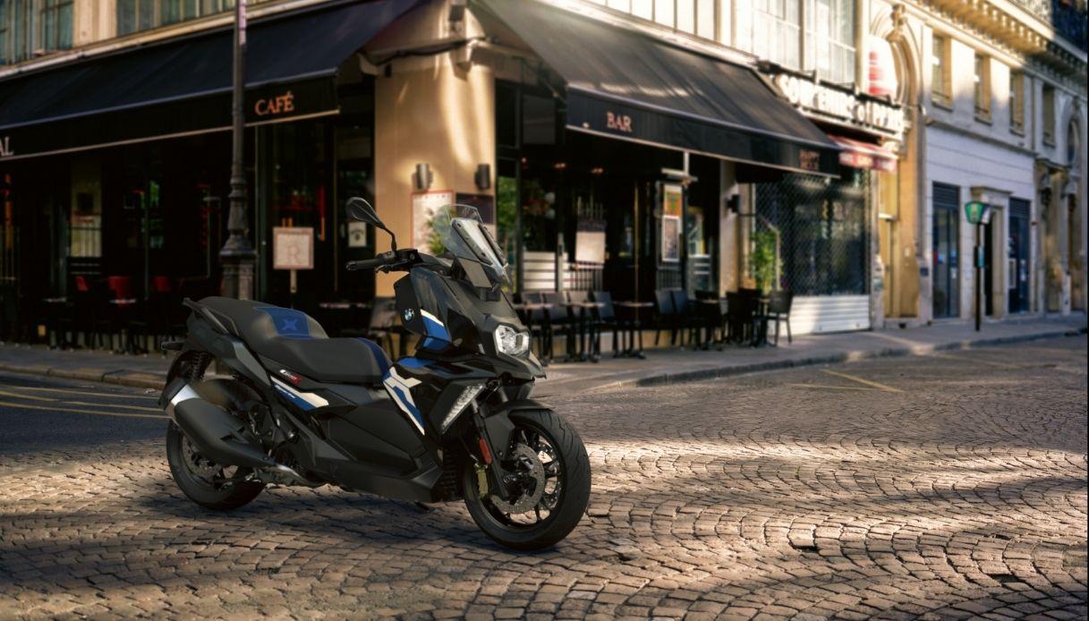 BMW aggiorna i suoi scooter premium