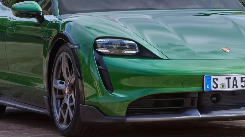 Porsche Taycan, ora disponibile anche in versione Cross