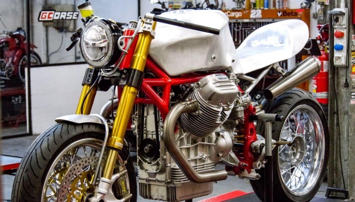 Una special per i 100 anni di Moto Guzzi