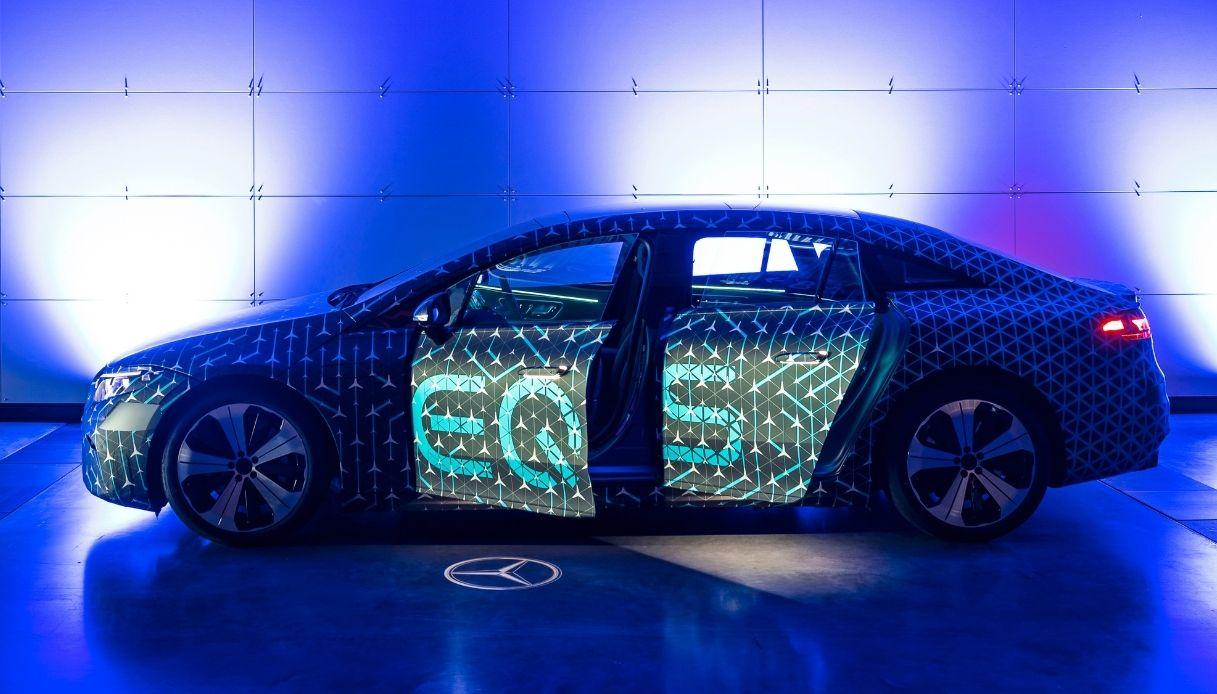 Mercedes EQS, la nuova berlina elettrica di lusso