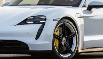 Porsche Taycan da oggi con un motore elettrico in meno
