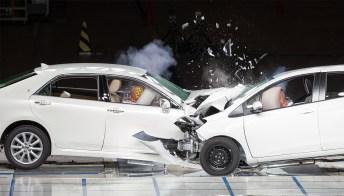 Come viene effettuato il crash test per auto