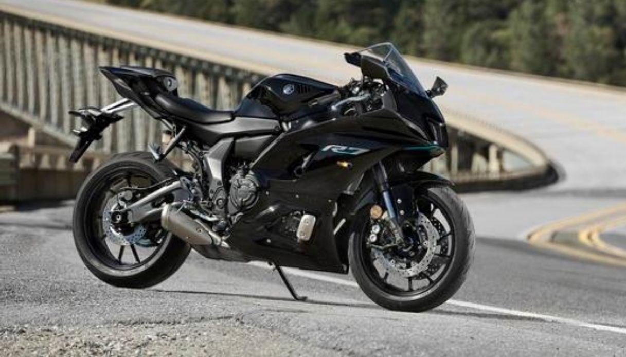 In arrivo Yamaha R7
