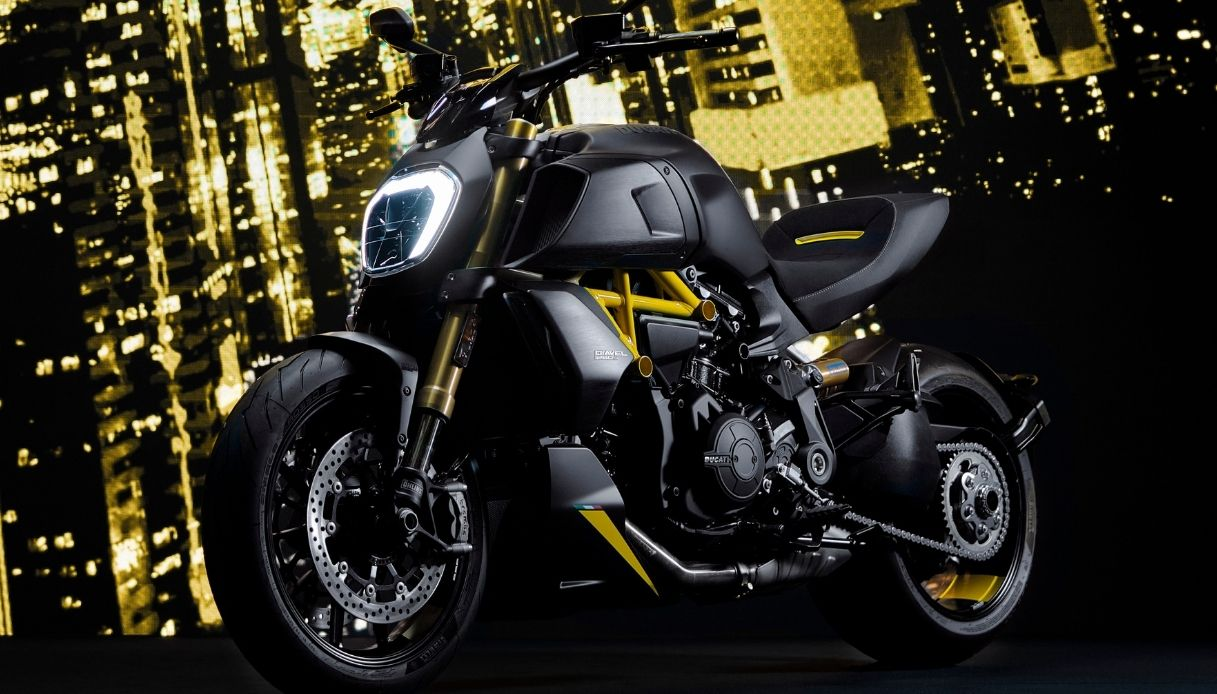 Nuova Ducati Diavel Model Year 2022 Black and Steel