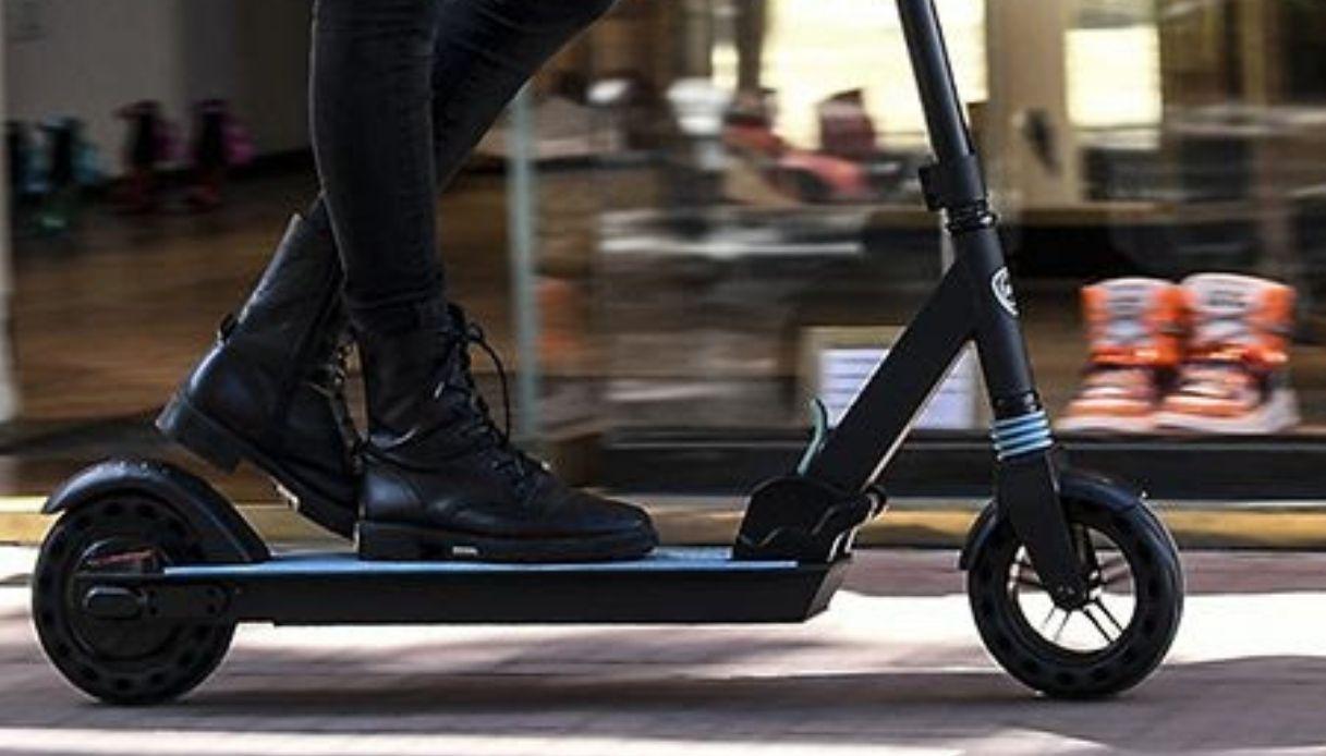 Il primo e-scooter Lancia