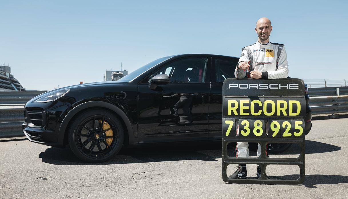 Record Porsche Cayenne Coupé