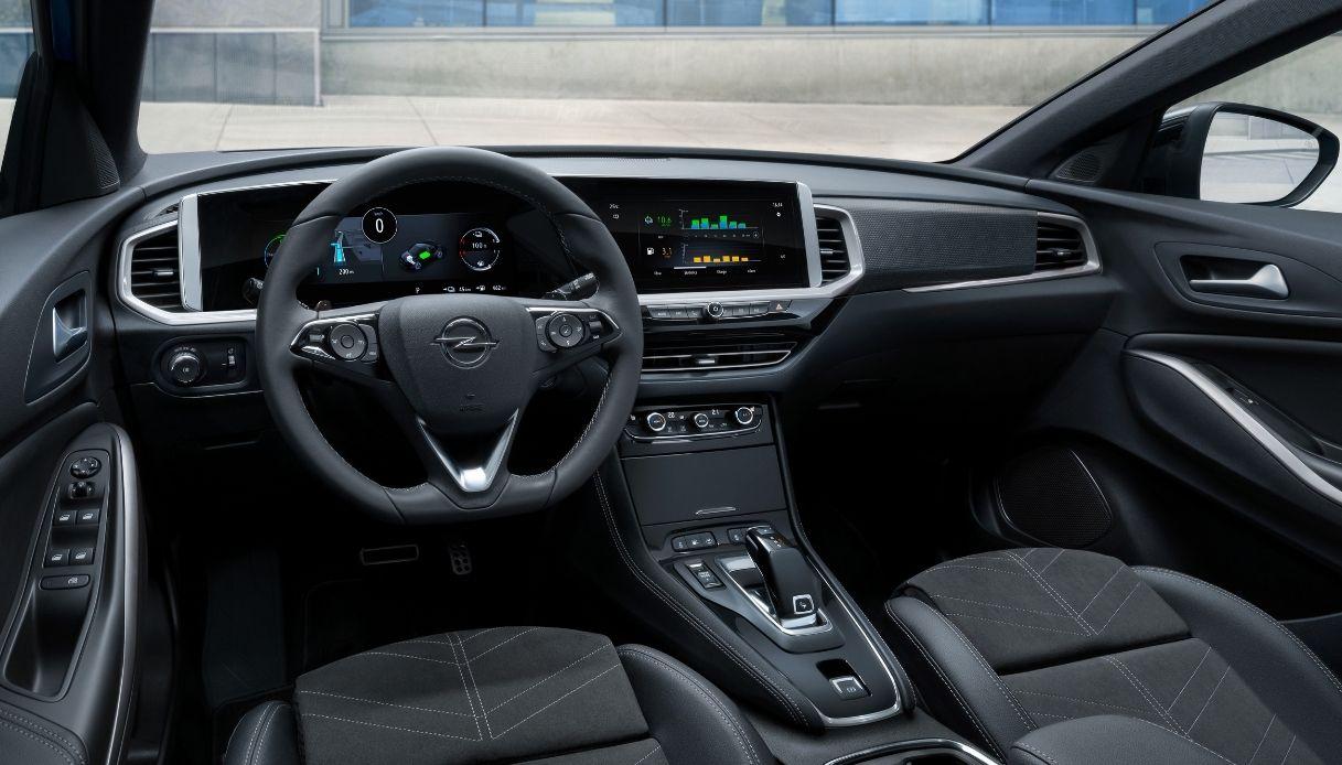 Opel Grandland, interni confortevoli