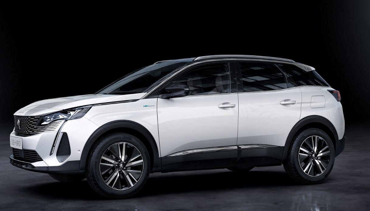 Il nuovo SUV Peugeot 3008 per l'Italia