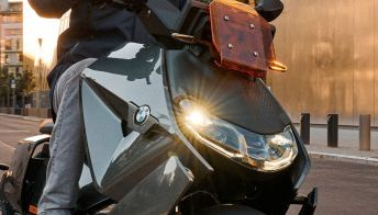 BMW svela il suo nuovo scooter elettrico