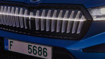 Skoda Enyaq iV, da oggi il SUV è anche 4×4