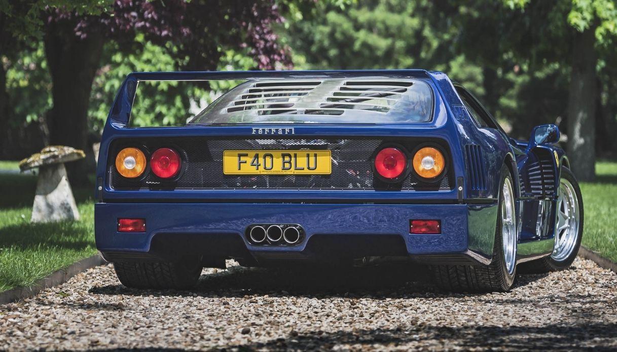 Asta record per la Ferrari F40 Blu