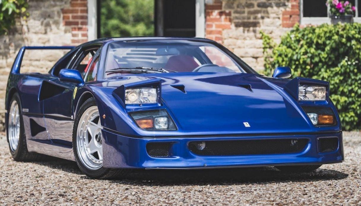 Cifra record per la Ferrari F40 Blu