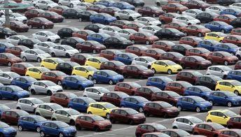 Via libera agli incentivi anche per auto benzina e diesel