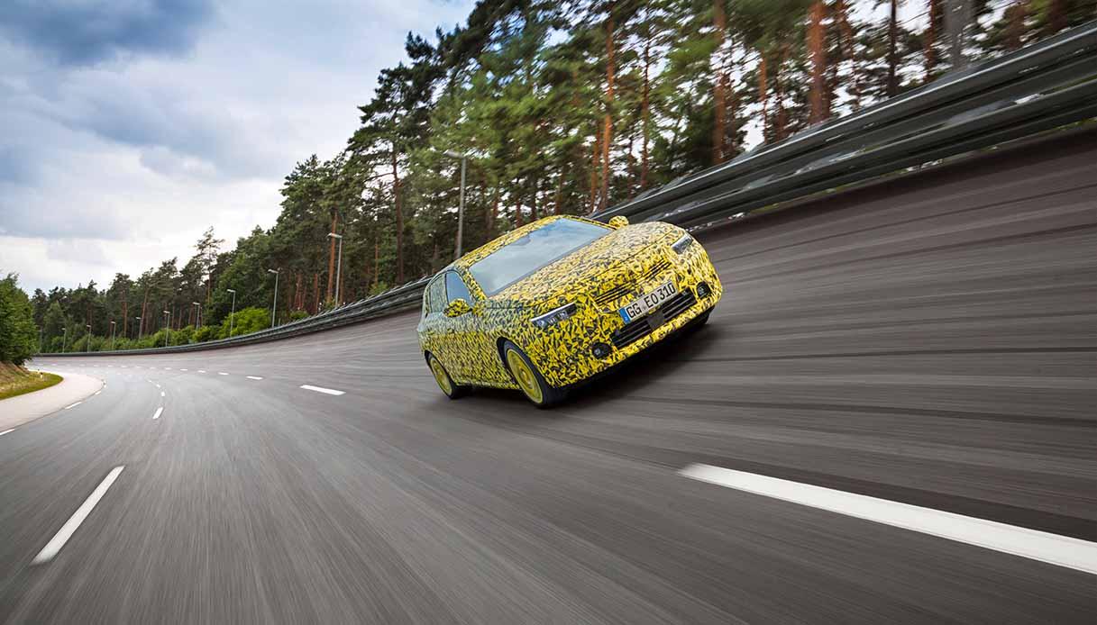 Opel Astra in arrivo